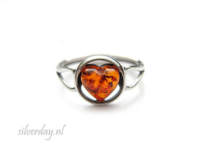 Sterling Zilveren Ring met Barnsteen- Hartje
