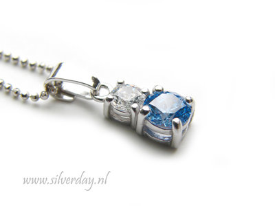 "Sterling Zilveren Ketting met Dubbele Swarovski Zirconia ""Crystal-Blue"""